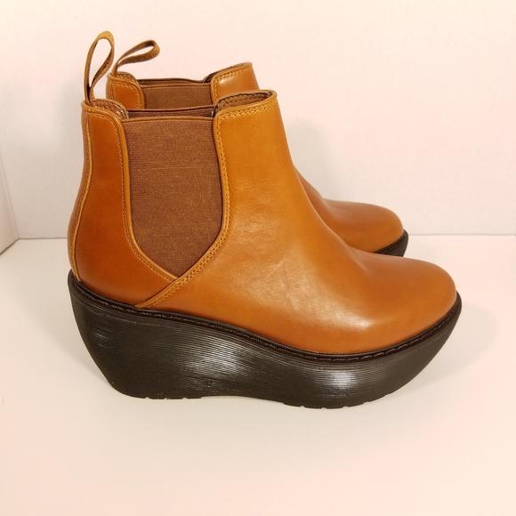 05430508010 Dr. Martens Brown Aerial Platform Chelsea Boot